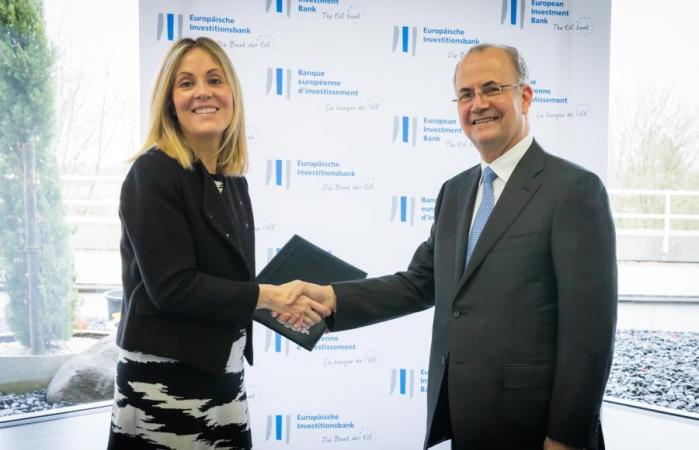 صندوق الاستثمار الفلسطيني وبنك الاستثمار الأوروبي يوقعان اتفاقية قرض لتمويل مشروع أنظمة الطاقة الشمسية على أسطح المدارس