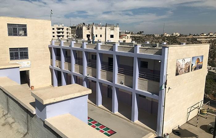 برنامج أسطح المدارس بالتعاون مع وزارة التعليم العالي